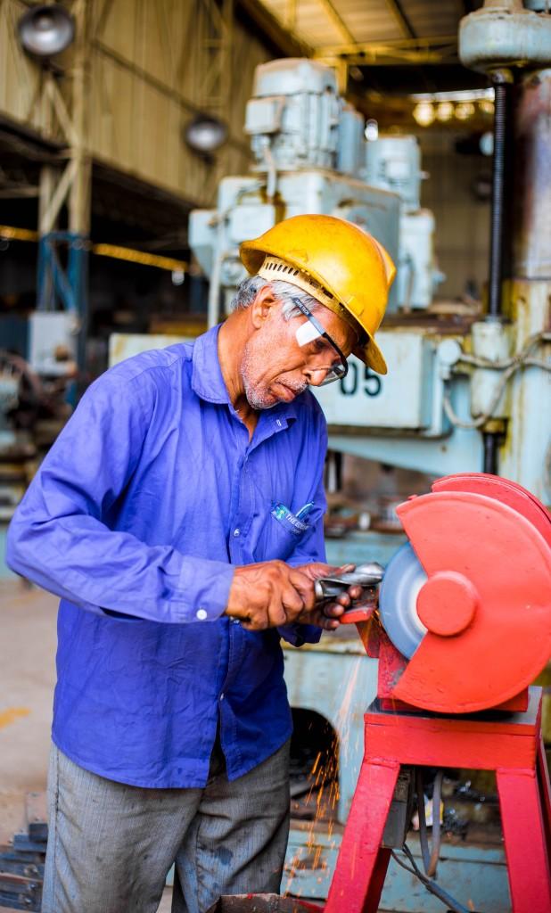 metal-fabrication-singapore-grinding